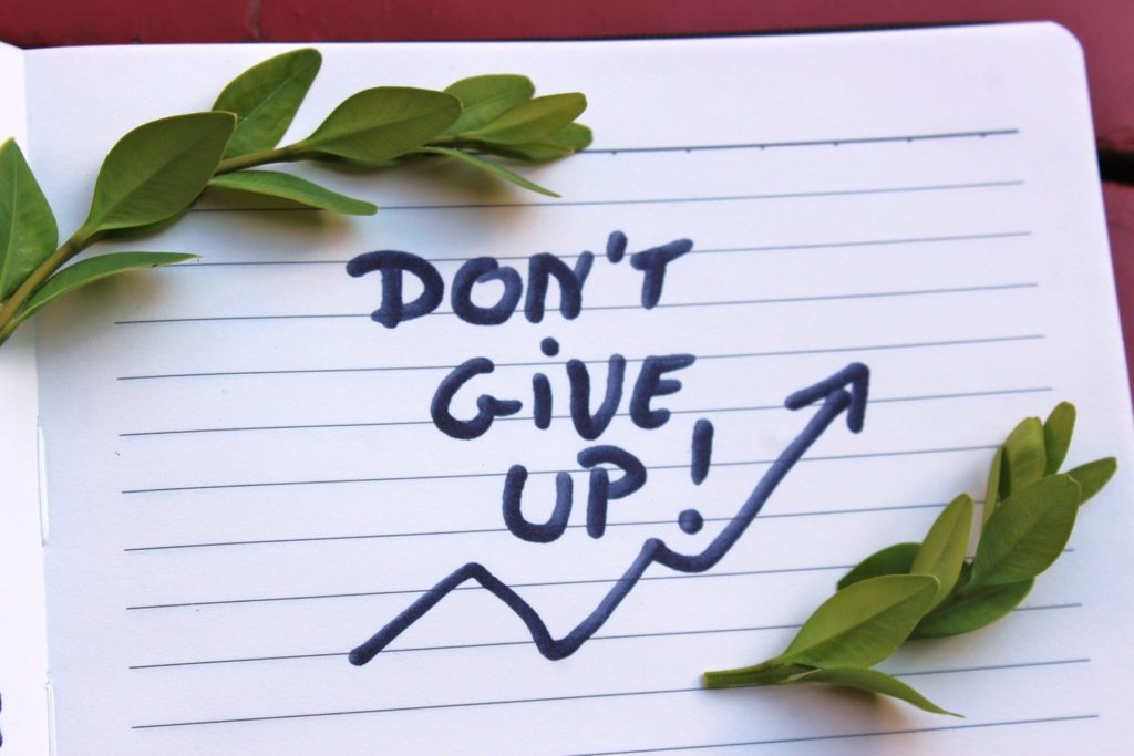 10 Clever Ideas and Tips To Help You Stay Positive and Focused On Reaching Your Goals